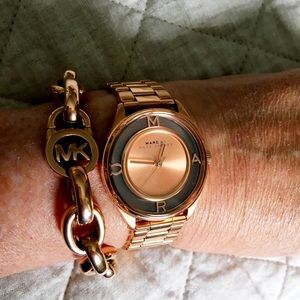 ❤️ Marc Jacobs Rose Gold Tether Watch